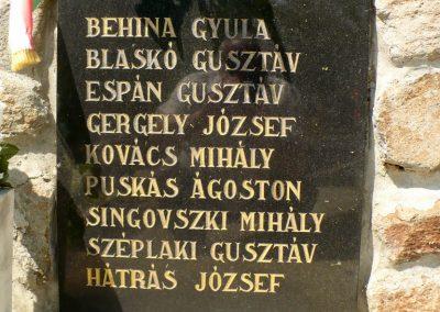 Nagyhuta II.világháborús emlékmű 2012.05.20. küldő-Gombóc Arthur (2)