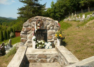 Nagyhuta II.világháborús emlékmű 2012.05.20. küldő-Gombóc Arthur