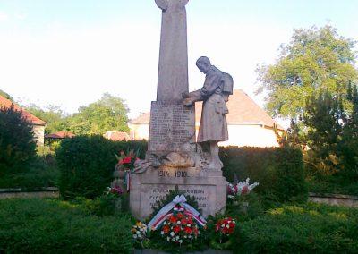 Nagyigmánd I.vh emlékmű 2011.05.29. küldő-Csiszár Lehel (15)