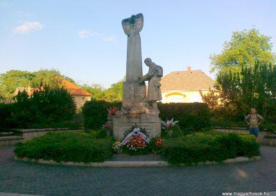 Nagyigmánd I.vh emlékmű 2011.05.29. küldő-Csiszár Lehel