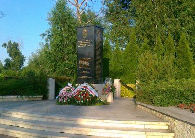 Nagyigmánd II.vh emlékmű 2011.05.29. küldő-Csiszár Lehel