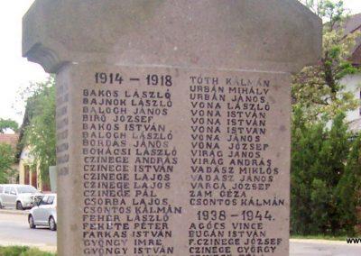Nagyiván Hősi emlékmű 2009.05.14. küldő-miki (3)