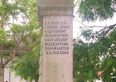 Nagyiván Hősi emlékmű 2009.05.14. küldő-miki (7)