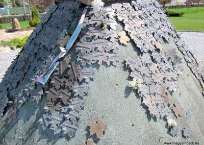 Nagykálló világháborús emlékmű 2012.04.27. küldő-kalyhas (15)