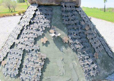 Nagykálló világháborús emlékmű 2012.04.27. küldő-kalyhas (21)