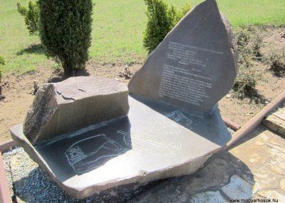 Nagykálló világháborús emlékmű 2012.04.27. küldő-kalyhas (4)