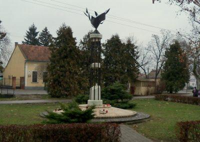 Nagykáta II. világháborús emlékmű 2012.12.28. küldő-Kurunczi István (11)