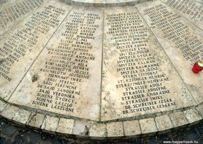Nagykáta II. világháborús emlékmű 2012.12.28. küldő-Kurunczi István (5)
