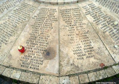 Nagykáta II. világháborús emlékmű 2012.12.28. küldő-Kurunczi István (6)