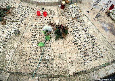 Nagykáta II. világháborús emlékmű 2012.12.28. küldő-Kurunczi István (9)