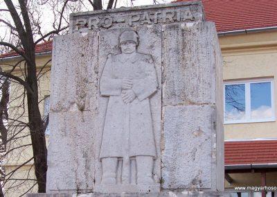 Nagykónyi világháborús emlékmű 2009.03.22.küldő-miki (1)