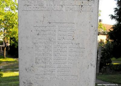 Nagykölked világháborús emlékmű 2009.09.02. küldő-Gyurkusz (2)