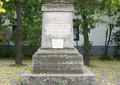 Nagykörü I.vh emlékmű 2008.10.23. küldő-Kályhás (2)