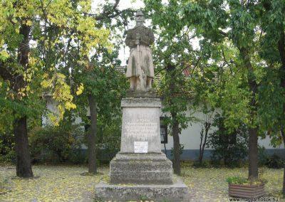 Nagykörü I.vh emlékmű 2008.10.23. küldő-Kályhás