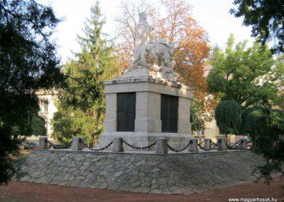 Nagykőrös I. világháborús emlékmű 2014.10.12. küldő-Emese (16)