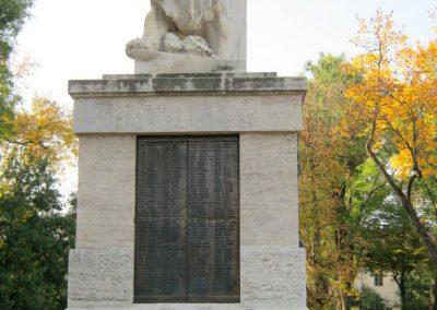Nagykőrös I. világháborús emlékmű 2014.10.12. küldő-Emese (22)