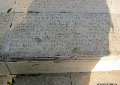 Nagykőrös II. világháborús emlékmű 2014.10.12. küldő-Emese (19)
