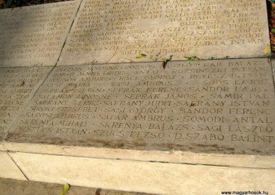 Nagykőrös II. világháborús emlékmű 2014.10.12. küldő-Emese (21)