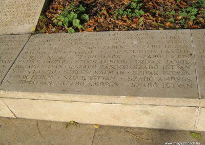 Nagykőrös II. világháborús emlékmű 2014.10.12. küldő-Emese (22)