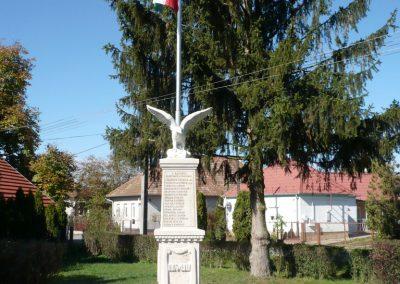 Nagykanizsa - Bajcsa világháborús emlékmű 2013.10.17. küldő-Sümec (1)