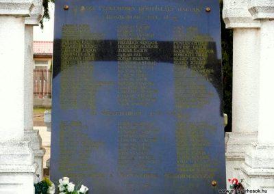 Nagykereki világháborús emlékmű 2011.03.14. küldő-Katona István (2)