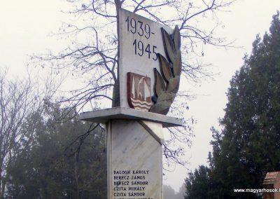 Nagykeszi II. világháborús emlékmű 2012.12.16. küldő-Méri (1)