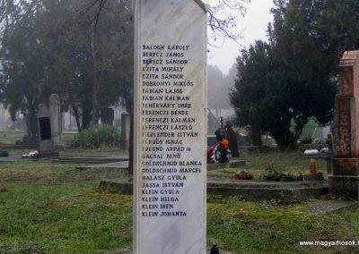 Nagykeszi II. világháborús emlékmű 2012.12.16. küldő-Méri (2)