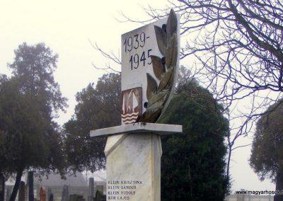 Nagykeszi II. világháborús emlékmű 2012.12.16. küldő-Méri (4)