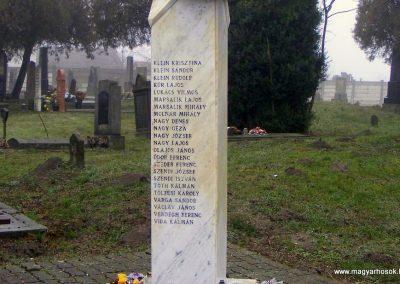 Nagykeszi II. világháborús emlékmű 2012.12.16. küldő-Méri (5)