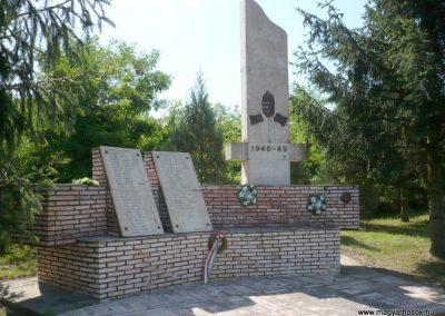 Nagykorpád II. világháborús emlékmű 2012.06.28. küldő-Sümec (1)