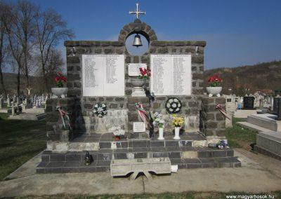 Nagylóc világháborús emlékmű 2012.04.03. küldő-kalyhas (3)