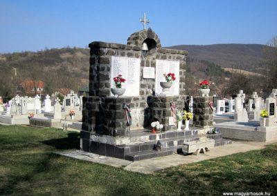 Nagylóc világháborús emlékmű 2012.04.03. küldő-kalyhas (8)