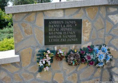 Nagylak világháborús emlékmű 2013.06.15. küldő-Sümec (6)