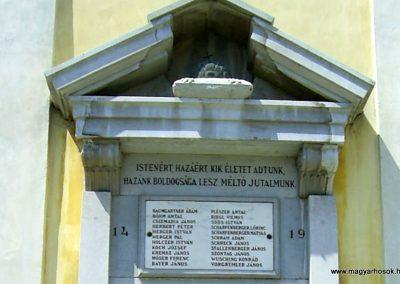 Nagymányok világháborús emlékmű 2011.06.13. küldő-Bagoly András (2)