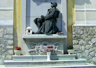 Nagymányok világháborús emlékmű 2011.06.13. küldő-Bagoly András (3)