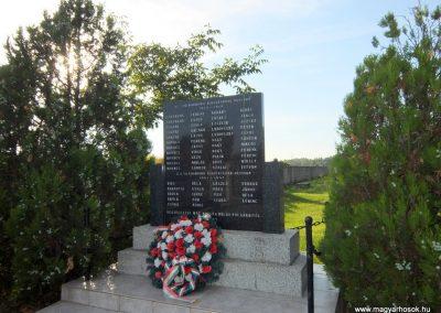 Nagymad világháborús emlékmű 2015.08.28. küldő-Méri