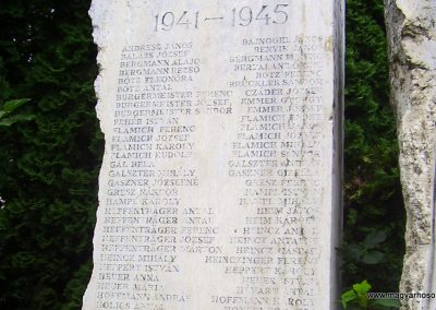Nagymaros világháborús emlékmű 2009.08.06. küldő-Panka (3)