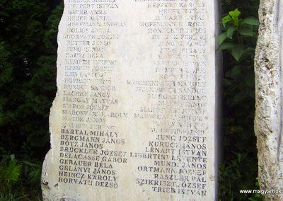 Nagymaros világháborús emlékmű 2009.08.06. küldő-Panka (4)