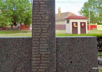 Nagymegyer II. világháborús emlékmű 2014.06.18. küldő-Méri (4)