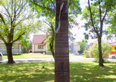 Nagymegyer II. világháborús kopjafa 2014.06.18. küldő-Méri (1)