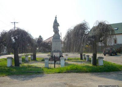 Nagyoroszi világháborús emlékmű 2009.04.13. küldő-Ágca