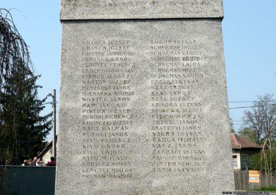 Nagyoroszi világháborús emlékmű 2009.04.13. küldő-Ágca (7)