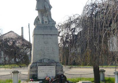 Nagyoroszi világháborús emlékmű 2009.04.13. küldő-Ágca (9)