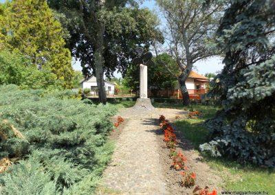 Nagyrábé II. világháborús emlékmű 2018.05.26. küldő-Bóta Sándor (kalyhas)