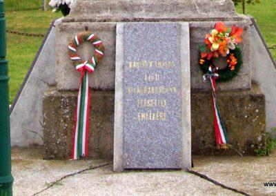 Nagyrév világháborús emlékmű 2009.05.14. küldő-miki (4)