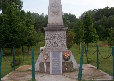 Nagyrév világháborús emlékmű 2009.05.14. küldő-miki (8)