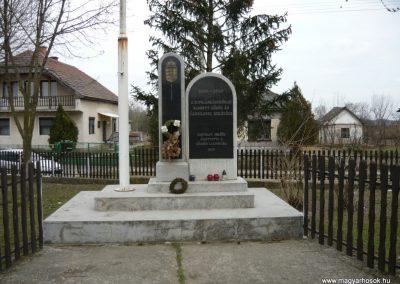 Nagyrozvágy világháborús emlékmű 2009.03.28.küldő-Ágca