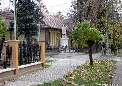 Nagyszénás I. világháborús emlékmű felújítás után 2014.11.20. küldő-Sümec
