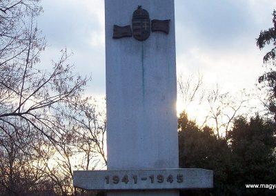 Nagyszénás II. világháborús emlékmű 2009.03.01. küldő-miki (2)