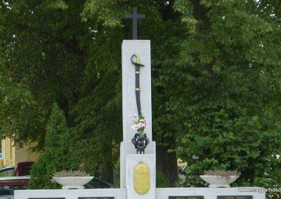 Nagyszakácsi II.vh emlékmű 2009.07.31.küldő-SOLEN (2)